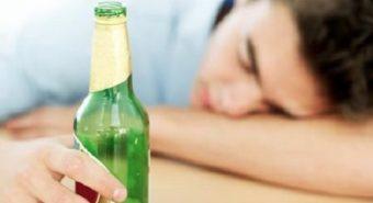 6% ca tử vong do ung thư xuất phát từ rượu bia