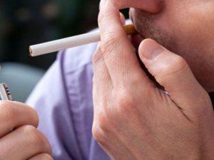 Nam giới hút thuốc dễ mắc bệnh ung thư tuyến tiền liệt.