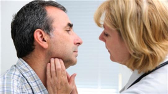 Chữa khỏi ung thư vòm họng bằng miễn dịch trị liệu và điều trị đích