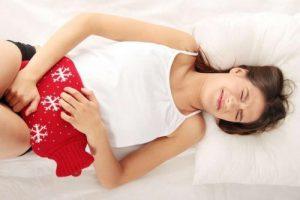 Đau bụng kéo dài có thể là dấu hiệu bệnh ung thư đại tràng