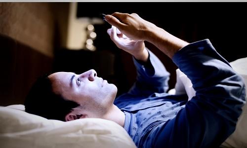 Tác nhân gây ung thư mắt không liên quan đến smartphone
