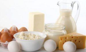 Kiêng thức ăn từ trứng sữa là một cách đối phó với viêm da cơ địa