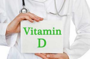 Vitamin D được tổng hợp qua thực phẩm và ánh nắng.