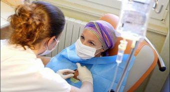 Điều trị bức xạ kết hợp hóa trị liệu giúp kéo dài sự sống bệnh nhân ung thư não