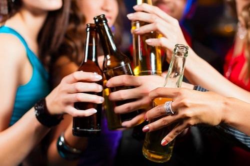 Bia rượu khiến bệnh nhân ung thư tăng cao