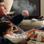 Bố hút thuốc lá khiến con bị bệnh ung thư máu