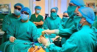 Ca phẫu thuật nội soi 3D đầu tiên cho bệnh nhân ung thư tại bệnh viện K