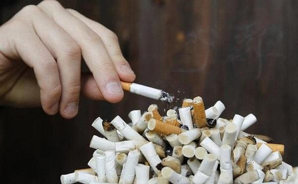 Một trong những nguyên nhân ung thư bàng quang là hút thuốc lá