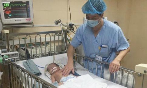 Cấp cứu thành công thai nhi bị tràn dịch màng phổi, suy hô hấp nặng