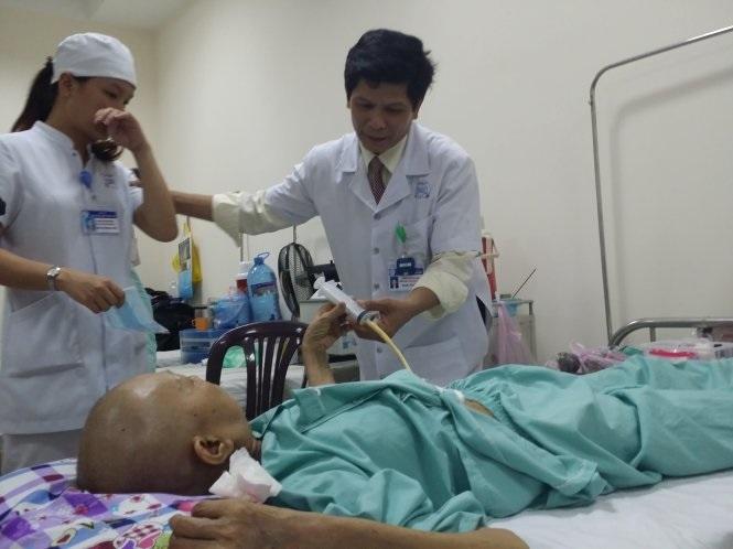 Chăm sóc bệnh nhân bị ung thư tại nhà