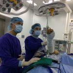 Chuyên gia y tế trao đổi về điều trị ung thư