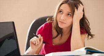 Dân văn phòng dễ mắc bệnh trĩ, phòng tránh bằng cách nào?