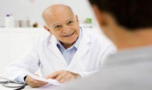 Bác sĩ tư vấn cách phòng bệnh trĩ cho người làm văn phòng