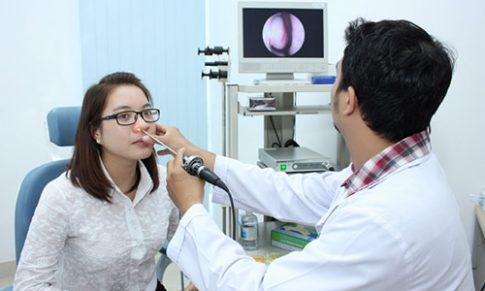 Các triệu chứng của ung thư vòm họng