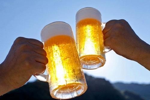 Không uống quá 2 ly bia/ngày để giảm rủi ro ung thư