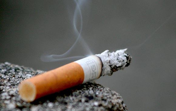 Hút thuốc lá và bệnh ung thư thanh quản có mối quan hệ mật thiết