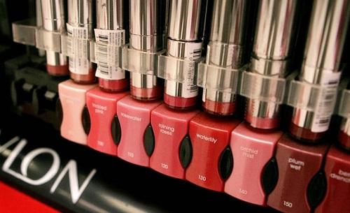 Chất gây ung thư được phát hiện trong mỹ phẩm Revlon