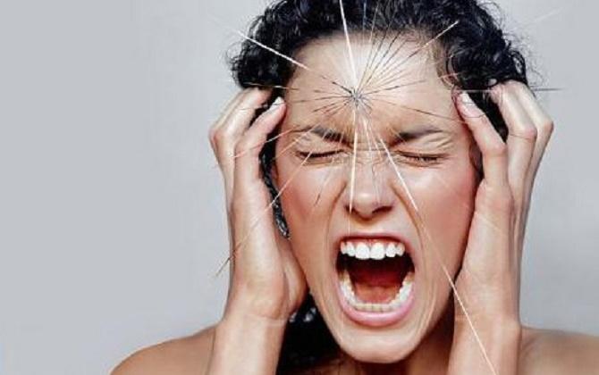 Ung thư não giai đoạn đầu có thể xuất hiện đau đầu đột ngột, dữ dội
