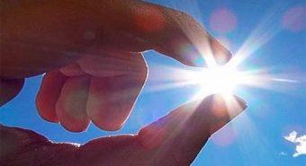 Nguy cơ ung thư mắt do ánh nắng mặt trời