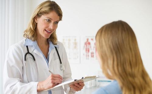 Khi đi khám ung thư cần liệt kê các loại dị ứng bạn đã có và dễ mắc phải
