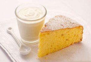 Bơ, sữa là một trong những thực phẩm cần tránh cho người mắc bệnh trĩ