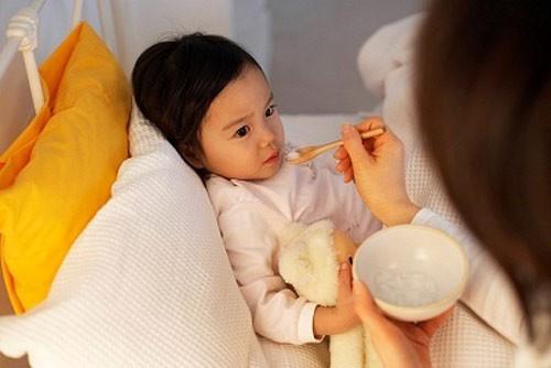 Chăm sóc trẻ bị sốt xuất huyết