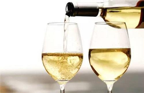 Sử dụng nhiều rượu rất nguy hại cho sức khỏe