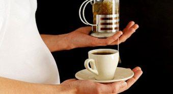 Sản phụ uống cà phê gây nguy cơ mắc ung thư máu ở trẻ