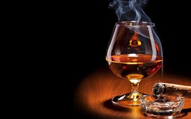 Tác nhân gây bệnh ung thư lưỡi có liên quan đến thuốc lá và rượu