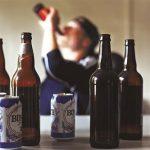Tìm hiểu mối liên hệ giữa bệnh vảy nến và đồ uống có cồn