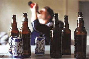 Có không ít những nghiên cứu về mối liên hệ giữa bệnh vảy nến và đồ uống có cồn