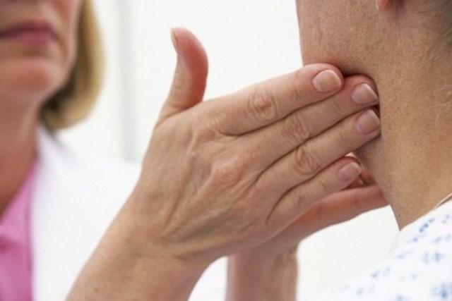 Nổi hạch là triệu chứng của ung thư amidan