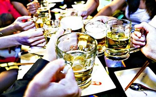 Uống nhiều rượu bia gây ung thư amidan