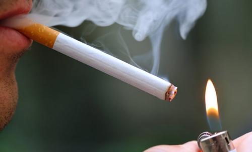 Hút thuốc lá là nguyên nhân gây ung thư amidan