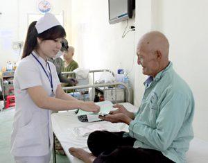 Điều dưỡng chăm sóc bệnh nhân ung thư