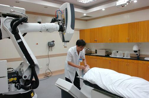 Kỹ thuật bức xạ ion hóa được ứng dụng trong điều trị ung thư