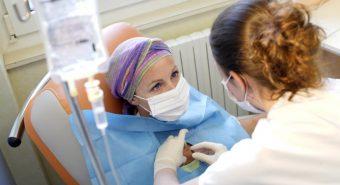 Tâm sự của những bệnh nhân điều trị ung thư không dám để lộ mái đầu sau hóa trị
