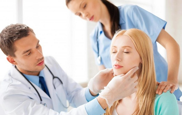 Chẩn đoán giúp phát hiện ung thư amidan sớm