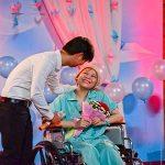 Câu chuyện tình yêu và nghị lực sống của cô gái 9x bị ung thư máu