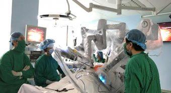 Việt Nam sử dựng robot phẫu thuật ung thư dạ dày