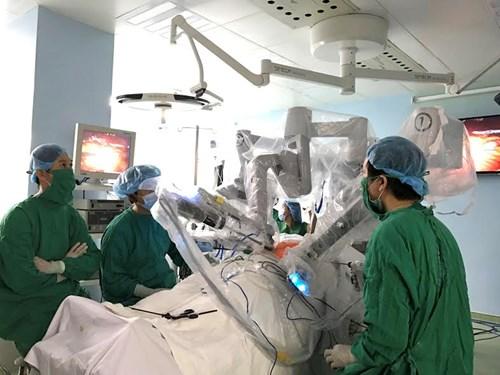 Sử dụng robot phẫu thuật ung thư dạ dày