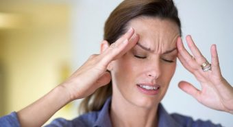 Hiện tượng đau đầu kéo dài sau khi bị cảm cúm mắc bệnh gì?