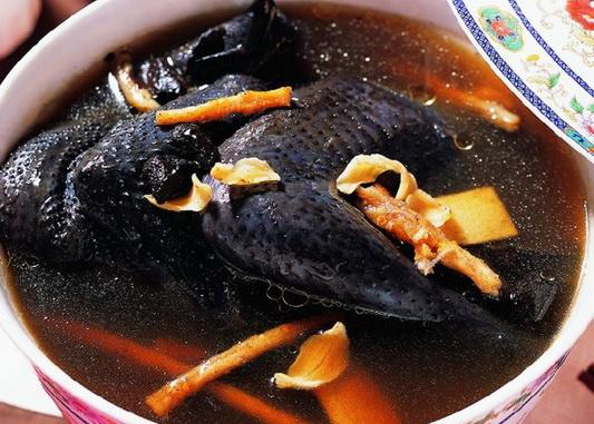 Gà xương đen, bổ phế món ăn vàng trong hỗ trợ điều trị ung thư phổi
