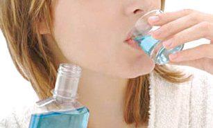 Nguy cơ ung thư miệng vì dùng nước súc miệng thường xuyên?