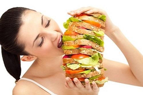 Tiêu thụ nhiều đồ ăn nhanh có làm tăng nguy cơ ung thư vú hay không?