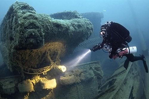 Nhiều tàu chở vàng trị giá 4,5 tỉ bảng Anh chìm dưới Đại Tây Dương