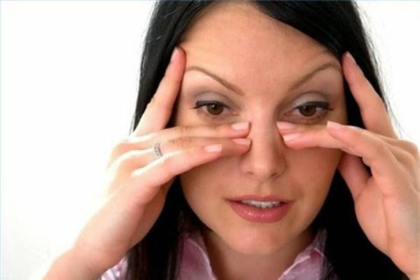 Những biểu hiện quan trọng cho thấy rằng bạn đang bị bệnh ung thư mắt