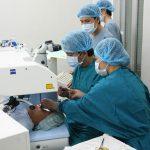 Những phương pháp điều trị giúp người ung thư mắt thêm hi vọng sống