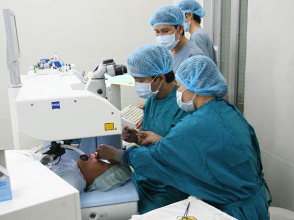 Phẫu thuật bằng laser giúp giảm thiểu rủi ro cho bệnh nhân