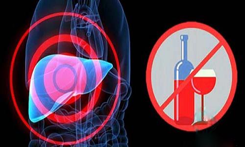 Nói không với rượu sau khi mắc bệnh viêm gan C